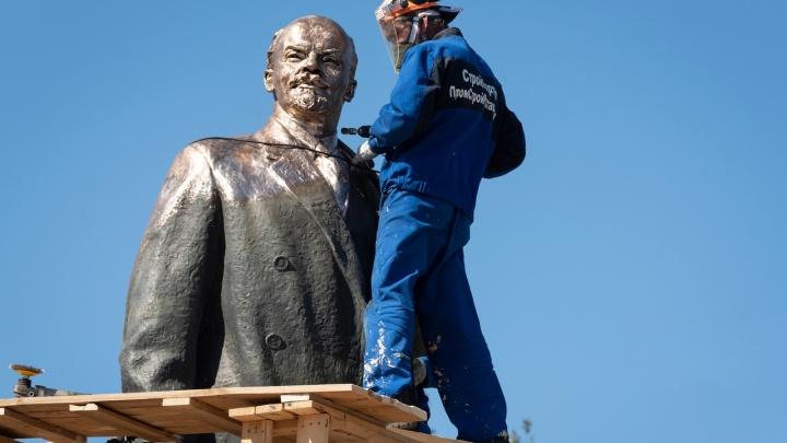 «Ленин будет жить»: в Волгограде появится золотой памятник Ильичу