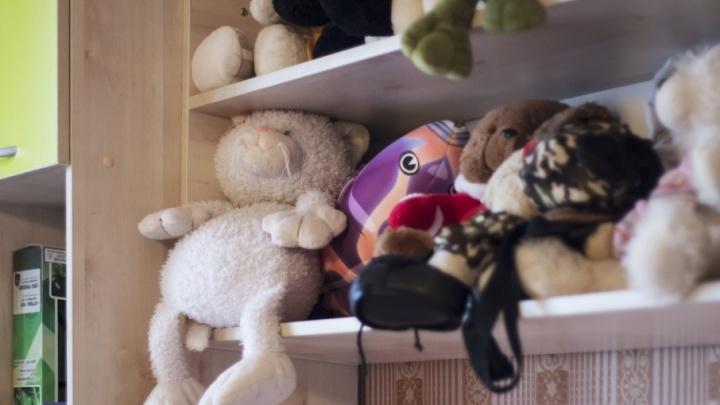 Поговорили об оценках и игрушках: зауральский прокурор проверил детдома в Катайске и Далматово