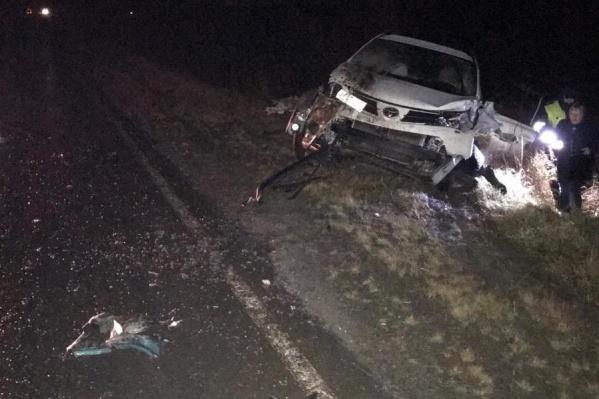 Пассажирка Mazda получила травмы, несовместимые с жизнью. Водителя доставили в больницу