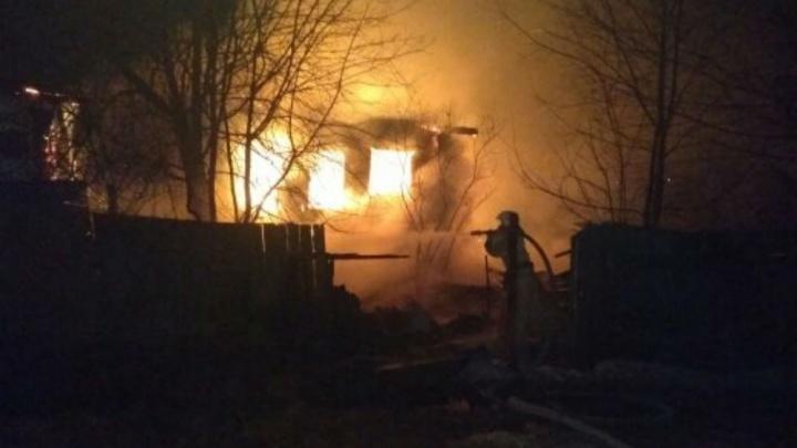 Назвали причину пожара в Ярославской области, в котором сгорела семья
