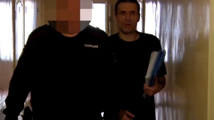 За подготовку мятежа с петардами и коктейлями Молотова осудили красноярского экстремиста