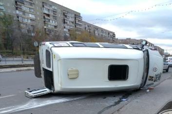 Авария произошла на перекрестке проспекта Карла Маркса и улицы Сталеваров