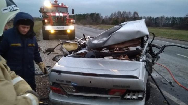 В аварии на Пермском тракте у ВАЗа оторвало крышу. Погибли два человека