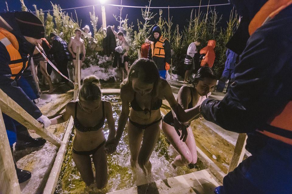 Самарские девушки торопятся в тепло