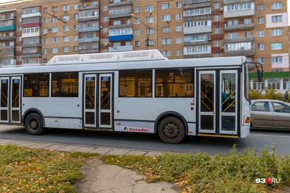 Автобусы готовят к ночной работе