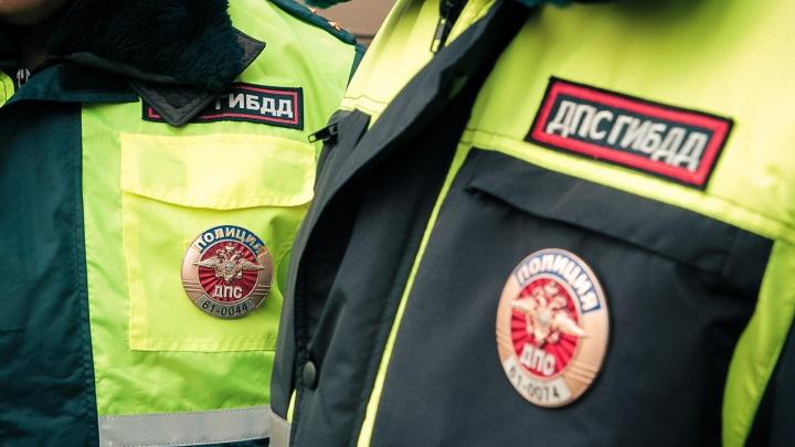 В Ростове столкнулись карета скорой помощи и ВАЗ-2109