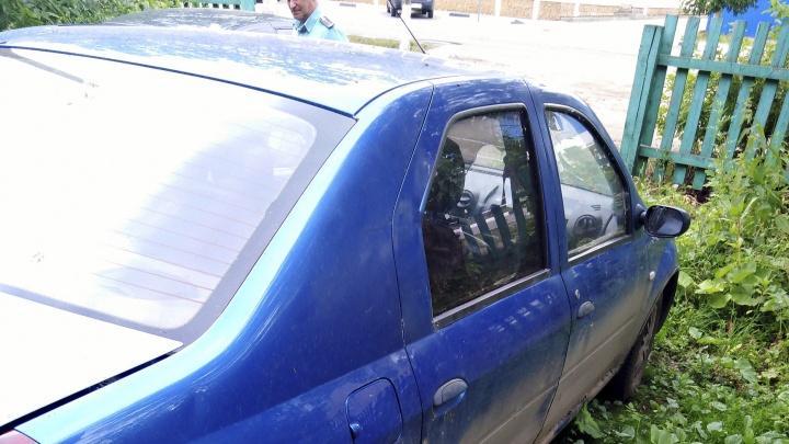 В Ярославской области таксиста оставили без машины