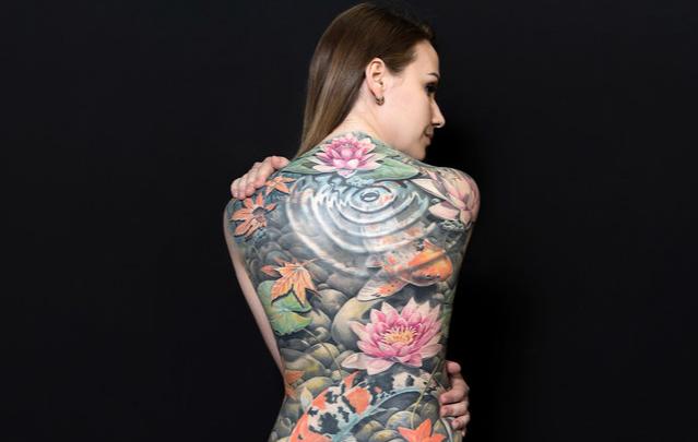 Можно показать ошибки молодости: татуировщики готовятся к баттлу «Сталинградская битва»
