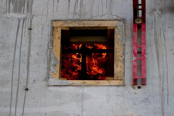 Пожар случился в Татарске