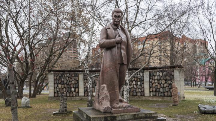 «Он просто растворился в будущем»: о памятниках Сталину прошлого и настоящего в Волгограде