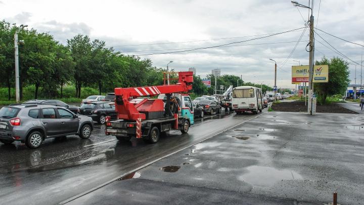 Аварии и дорожные работы: Челябинск впервые за лето встал в восьмибалльных пробках