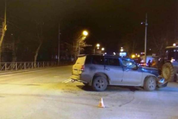 В ДТП на Мочищенском шоссе сошлись две встречные «Тойоты» — пострадали водитель и три пассажира «Чайзера»