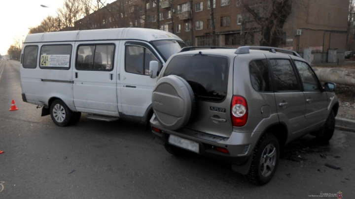 Волжанин получил травму позвоночника в аварии с маршруткой