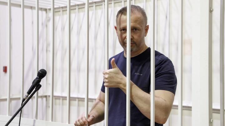 «Из зала суда»: второго экс-депутата Волгограда отправили под домашний арест