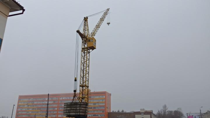 Между омским политехом и медакадемией начали строить торговый центр