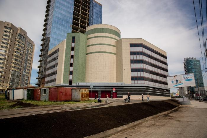 Парковочный комплекс у БЦ «Манхэттен» готовится к открытию