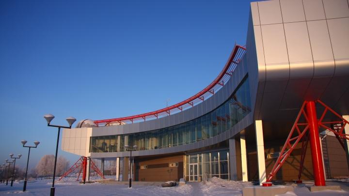 Кино под куполом: планетарий покажет новосибирцам бесплатные фильмы о чёрных дырах и туманностях