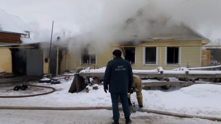 Житель Каменска-Уральского спалил соседский дом, когда пытался починить газовую плиту