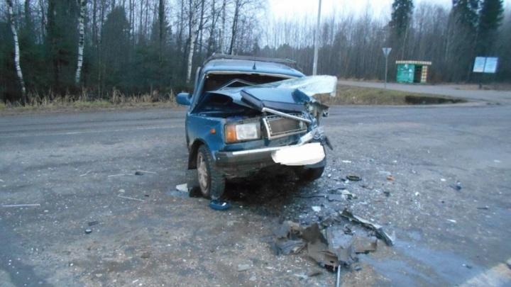 Водителя «семёрки» раздавило в машине: на трассе в Ярославской области произошло смертельное ДТП