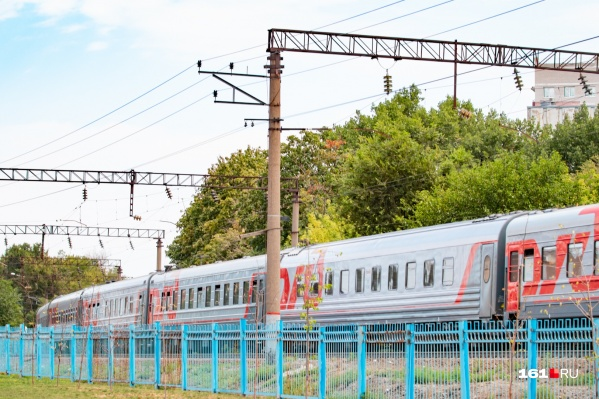 Мужчину сбил поезд Адлер — Мурманск