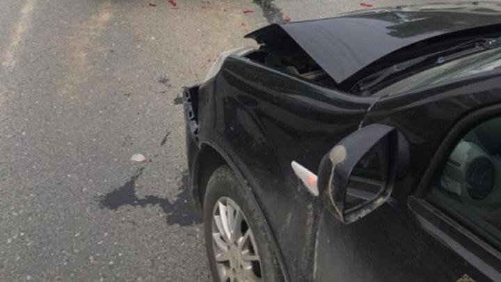 Трехмесячный малыш с сотрясением мозга: мужчина на Renault Sandero устроил тройное ДТП в Волгограде