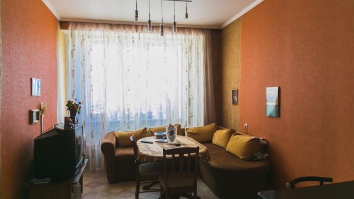 Женщина по просьбе переехавшего друга продала его квартиру и присвоила все деньги себе