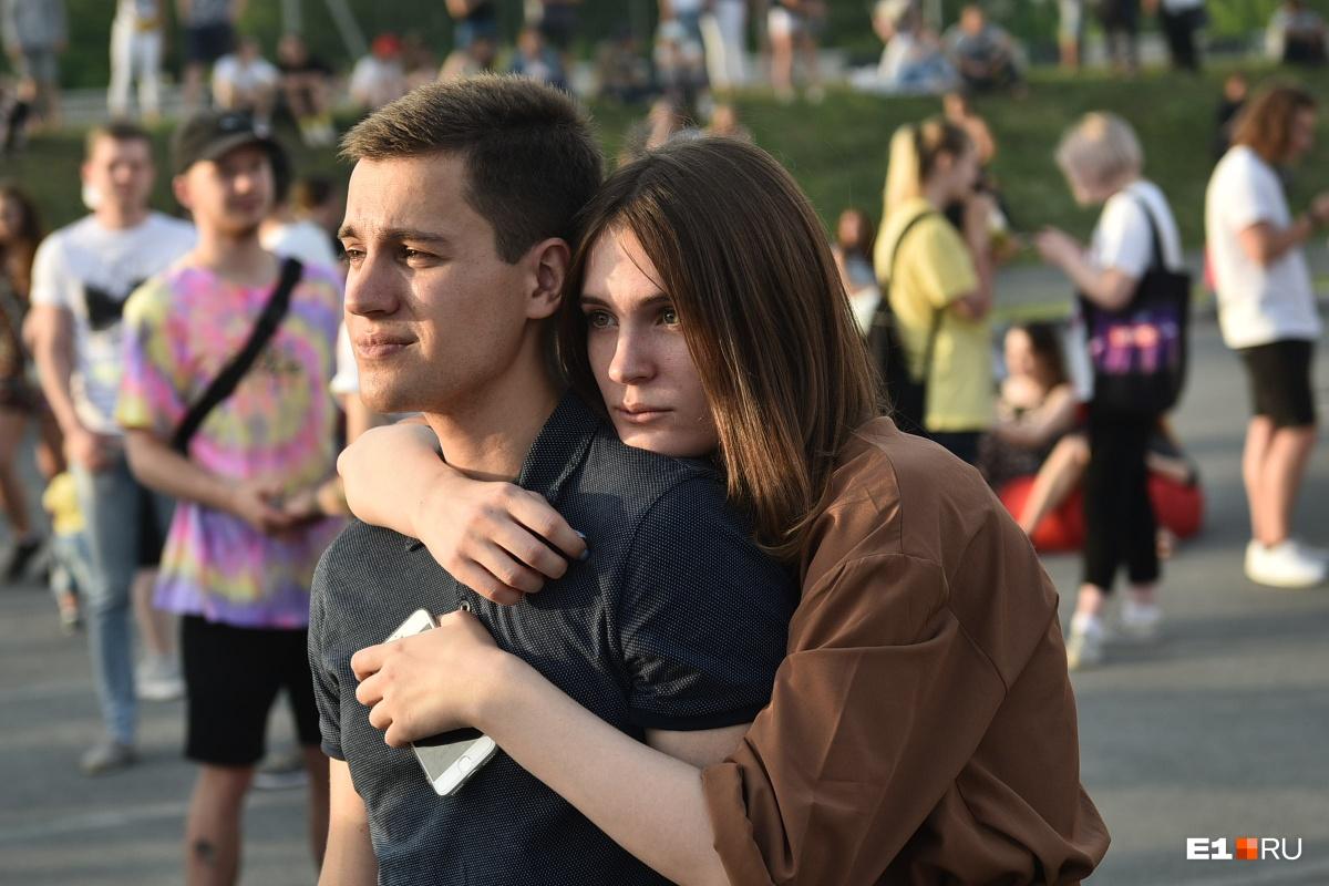 Крушил декорации и признавался в любви к Екатеринбургу: в «Меге» выступил Иван Дорн