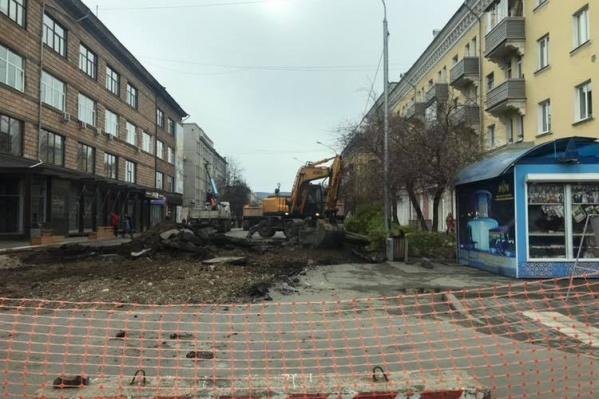 Работы по благоустройству улицы Дзержинского