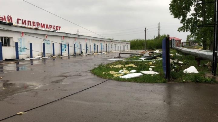 В Башкирии ветер «сдул» крышу с магазина стройматериалов