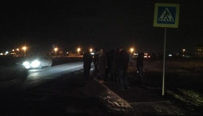 Челябинские власти нашли временное решение проблем с освещением и дорогой к новой школе в Чурилово