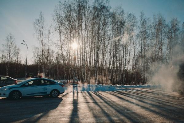 Рассказываем, куда звонить, если машина сломалась на трассе в мороз
