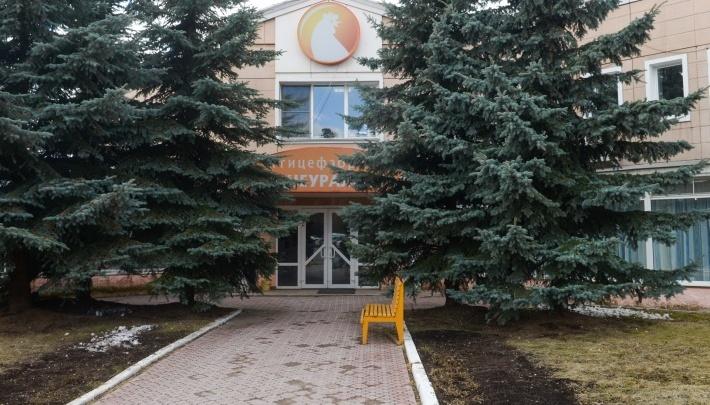 «Тысяча работников остается на улице»: приставы приехали закрывать Среднеуральскую птицефабрику