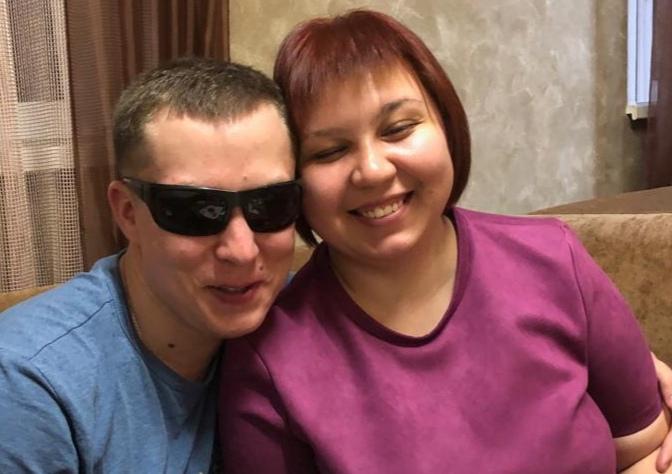 С женой Мариной Артём познакомился в специализированном колледже для незрячих