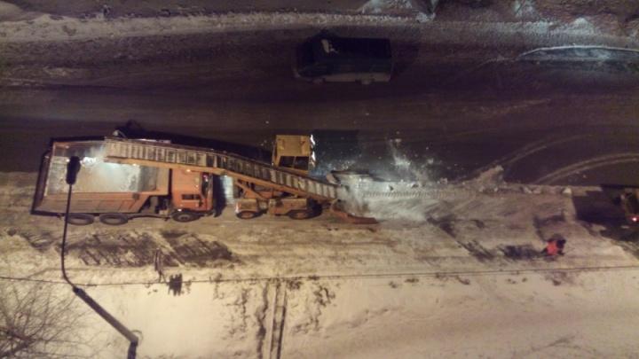 «Город точно готов»: мэр Ерёмин рассказал, как будут бороться со снегом