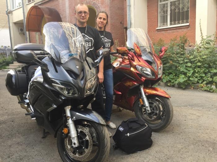 За 38 дней семейная пара объехала на мотоциклах полтора десятка стран
