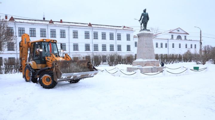 Подрядчик, благоустраивающий Петровский сквер, выполнил работы с недочетами