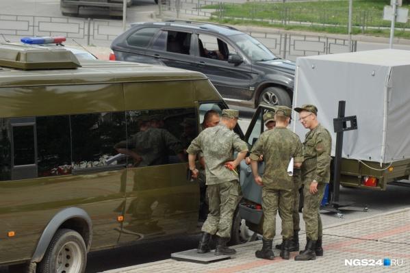 Военнослужащему выплатили излишнее 5 тысяч рублей, которые он унес с собой в могилу