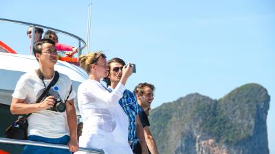 «В погоне за кусочком лета»: советы туристам, как отдохнуть на пляже и не попасть на штраф