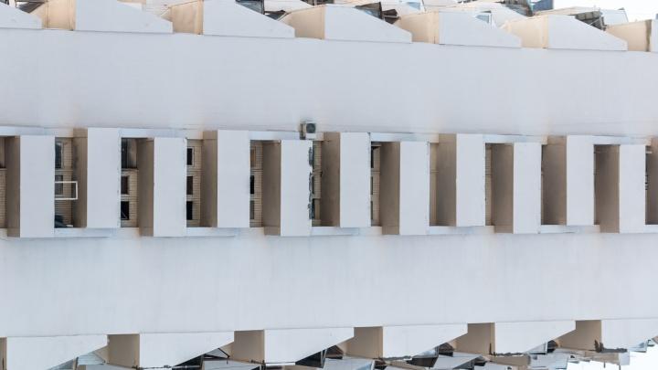 Геометрия города и линии жизни: фотоподборка с урбанистическими видами Самары
