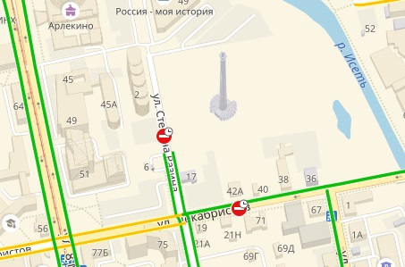 И значки в Яндекс.Картах предупреждают о том, что две из четырех улиц рядом с башней перекрыли