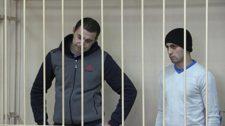 """В Екатеринбурге осудили банду """"Дон Жуанов"""", которые соблазнили и ограбили 11 девушек"""