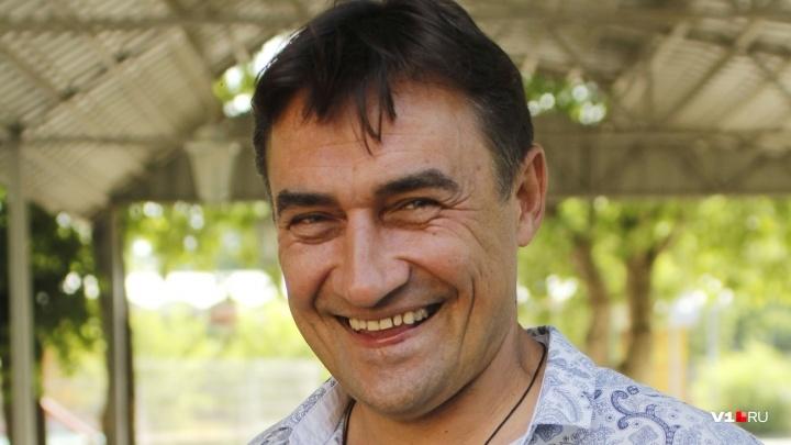 «Тот самый дворик в Волгограде»: Камиль Ларин показал раритетные фото «Квартета И»