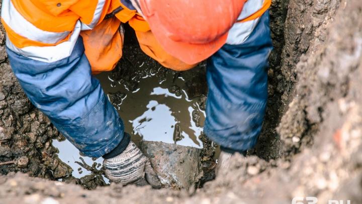 «По Ульяновской течет река»: в Сызрани прорвало водопровод