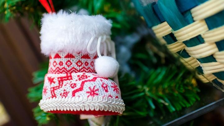 Сахар и презервативы вместо желанной тишины: какие странные подарки получают челябинцы на Новый год