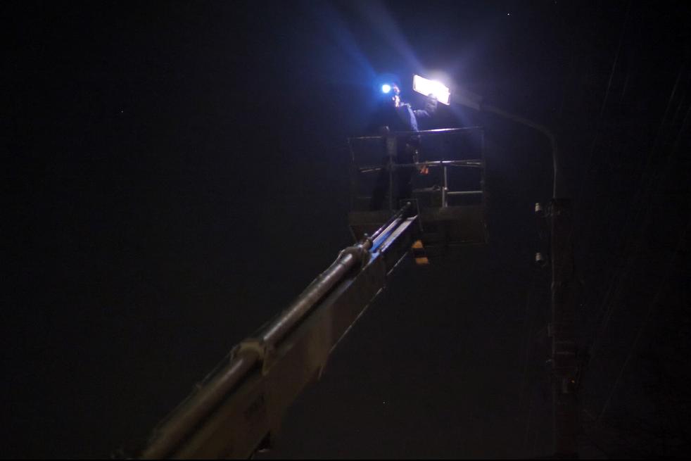 На ремонт одного светильника уходит до получ
