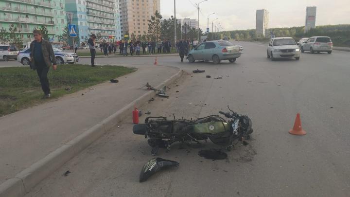 15-летняя пассажирка мотоцикла погибла в жёстком ДТП с «Тойотой» в Кировском районе