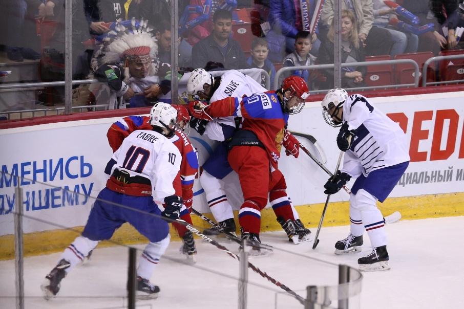 Французы сумели забить единственную шайбу только в конце игры