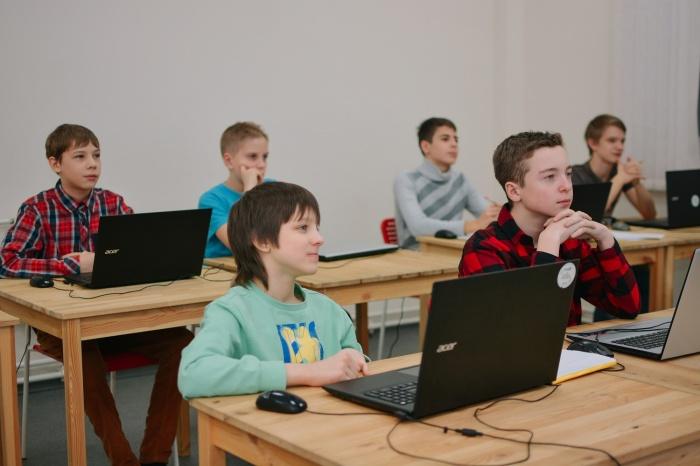 Школьники Новосибирска побывают с экскурсией в международных IT-компаниях
