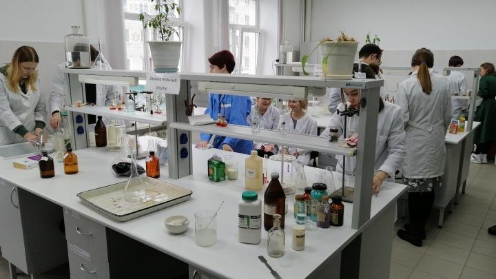 В Кургане будут учить биотехнологов