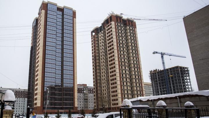 На скандальном участке на Гоголя построили высотку с 5-метровыми окнами